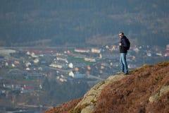 De reiziger van de berg stock foto