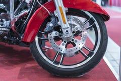 De remmen sluiten omhoog op een Motorfiets De rem van de motorschijf royalty-vrije stock afbeeldingen