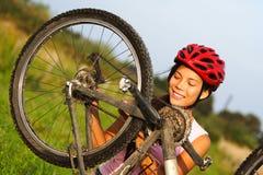 De reparatie van de fiets stock afbeelding