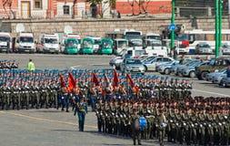 De repetitie van de parade: infanterie en valschermjagers Royalty-vrije Stock Afbeeldingen