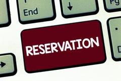 De Reserve van de handschrifttekst Het concept die Regeling betekenen maakte zodat wordt een zetel ergens gehouden voor iemand stock afbeeldingen