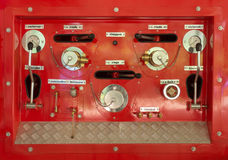 De retour d'un camion de pompiers Cadrans et contrôles image libre de droits