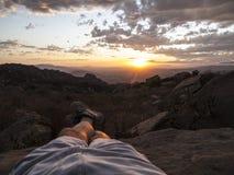 De retour donné un coup de pied coucher du soleil de la Californie Image stock