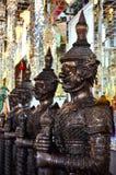 De reus die Boeddhisme beschermt stock fotografie