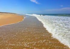 De Reusachtige Atlantische Stranden van het Schiereiland van Zuidwestenfrankrijk Cap Ferret, Zuidwestenfrankrijk stock afbeeldingen