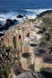 De Reuzenverhoogde weg Noord-Ierland Stock Fotografie