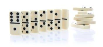 De rij van de domino van witte domino's Royalty-vrije Stock Foto