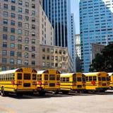 De rij van de schoolbus bij de marktfoto van San Francisco zet op Stock Afbeeldingen