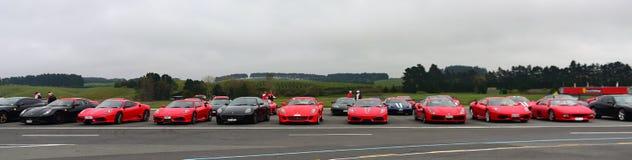 De rij van Ferrari-sportwagen op vertoning bij Ferrari-de Uitdagingsreeks Van Azië en de Stille Oceaan rent op 15 April, 2018 in  Stock Afbeelding