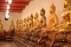 De rij van het standbeeld van Boedha Stock Afbeelding
