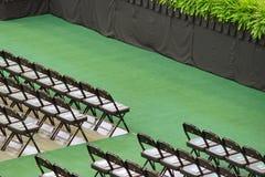 De rijen van stoelen vormen een mooi patroon in het begin van USF 2014: Royalty-vrije Stock Afbeelding