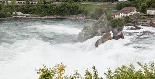 De Rijn valt panoramisch landschap stock afbeeldingen