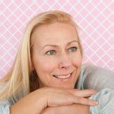 De rijpe leeftijd van de portretvrouw Stock Foto's