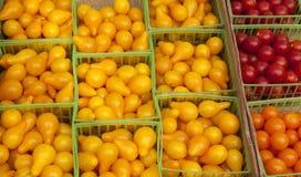 De rijpe Tomaten van de Peer en van de Kers. Stock Foto's