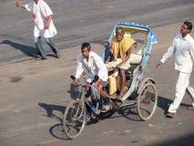 De riksja van de cyclus in Puri stock foto's