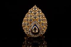 De ring of de broche van de diamant Stock Afbeeldingen