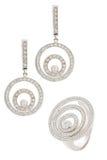 De ring en de oorringen van de diamant stock afbeelding