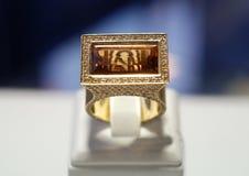 De ring van de luxe stock afbeeldingen