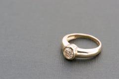 De ring van de patiencediamant Royalty-vrije Stock Afbeeldingen