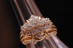 De ring van diamanten stock afbeelding