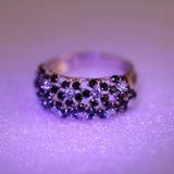 De ring van luxejuwelen met brilliants stock foto's