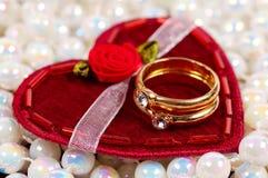 De Ringen van Diamons stock afbeeldingen