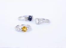 De ringenjuwelen zijn populair met de meisjes Een symbool van liefde en Th Stock Foto