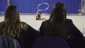 De ritmische Gymnastiek beoordeelt team, sport stock footage