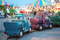 De Ritten van Carnaval bij Schemering royalty-vrije stock fotografie