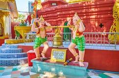De rituele Boeddhistische klok, Shwe Gu legt Paya, Bago, Myanmar royalty-vrije stock afbeelding
