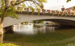 De Rivier, de brug en de stad van Neckar Tübingen, baden-Wurttemberg, Duitsland royalty-vrije stock foto