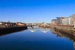 De rivier Clyde op een zonnige ochtend stock foto's