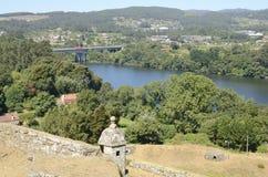 De rivier de Minho tussen Spanje en Portugal Stock Afbeelding