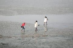 De rivier die van Cossingsmalta dichtbij Stad in India inblikken Stock Foto's