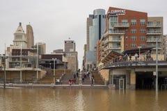 De Rivier die van Ohio 2018 in Cincinnati van de binnenstad overstromen stock foto
