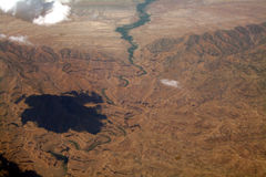 De rivier en de wolk van de woestijn Royalty-vrije Stock Afbeeldingen