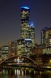 De rivier en scyscrapers van Yarra in Melbourne Royalty-vrije Stock Afbeeldingen