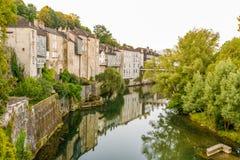 De rivier gaf Aspe in Oloron Sainte Marie - Frankrijk Stock Foto