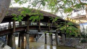 De rivier in het vloedseizoen is bewolkt door alluviale grond royalty-vrije stock foto