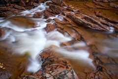 De rivier Ilse in het Nationale Park van Harz royalty-vrije stock afbeeldingen