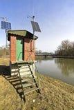De rivier Maart in Lager Oostenrijk en een kleine waarnemerspost dichtbij de pensionair aan Slowakije royalty-vrije stock foto's
