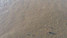 De rivier Rijn in volledige vloed door Duisburg tijdens de Overstroming van Januari 2018 Royalty-vrije Stock Fotografie
