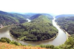 De rivier Saar van Saarschleife Royalty-vrije Stock Foto