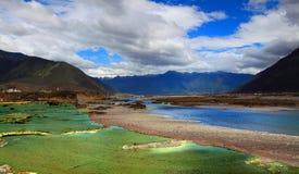 De rivier in Tibet Royalty-vrije Stock Foto's
