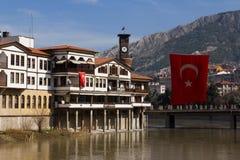 De Rivier Turkse Vlag van Yesilirmak van de Amasyamening stock foto's