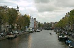 De rivier van Amsterdam stock afbeeldingen