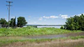 De Rivier van Arkansas dichtbij Webbers-Dalingen, Oklahoma, tijdens de lente die 2019 overstromen royalty-vrije stock fotografie