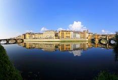 De rivier van Arno stock afbeelding