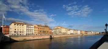 De rivier van Arno in Pisa stock foto