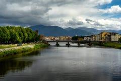 De rivier van Arno, Pisa Stock Fotografie